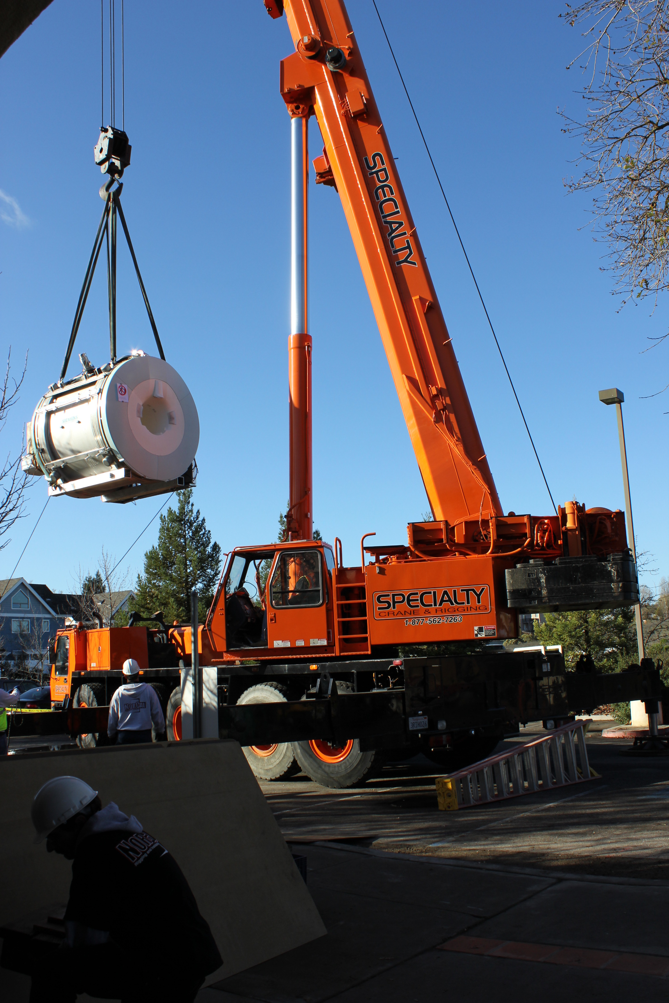 MRI carried by crane BEST