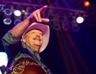 Alan Jackson heats up the Mid-State Fair