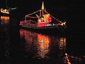 Lighted-Boat-Parade-1_web-1