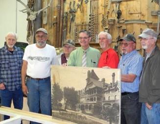 Mayor visits Pioneer Museum