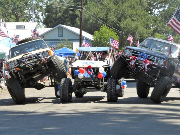 Talented drivers from the SLO 4 Wheelers stacked their tires to create an impressive pyramid of vehicles.
