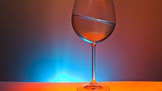 glass-1502746_640