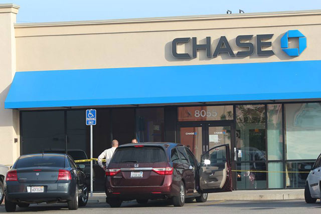 The scene outside Chase bank in Atascadero after a bank robbery Thursday afternoon. Photo by Rick Evans.
