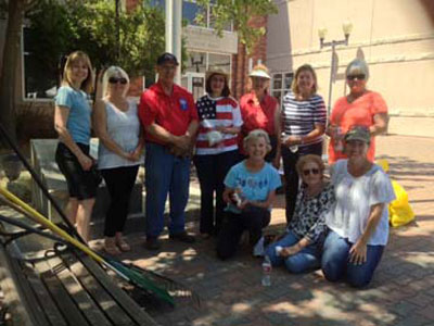 Karen Rowley, Diane Freitas, Mayor Duane Picanco, Denise Surber, Anita Brooks, Martha James, Dawn Merzon and in front Peggy Strickland, Shirley Mark, Teresa Sullenger.