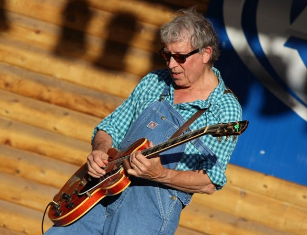 "Founder of the 1960s Paul Butterfield Blues Band and known for '76 hit ""Fooled Around and Fell In Love,"" Elvin Bishop took the stage again Thursday night for a show that nearly packed the Frontier Stage."