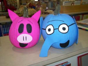 Piggie and elephant pumpkin at the library.