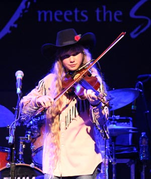 Amaya Rose on the fiddle