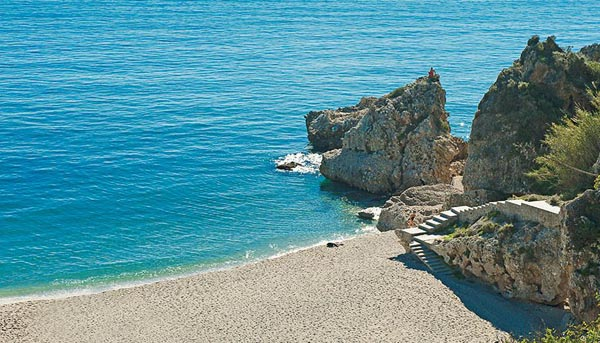 A tranquil beach on the Costa del Sol. Courtesy of visitcostadelsol.com.