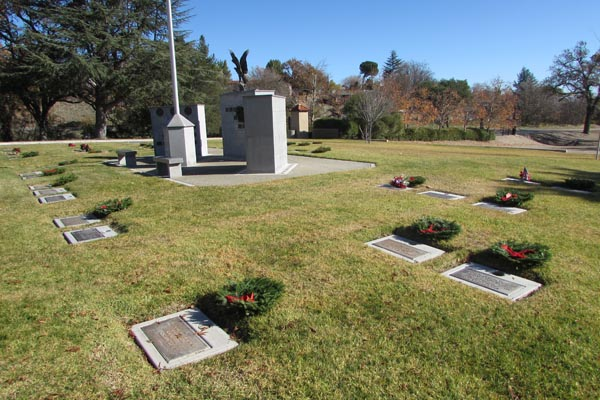 Wreaths on Veterans Graves