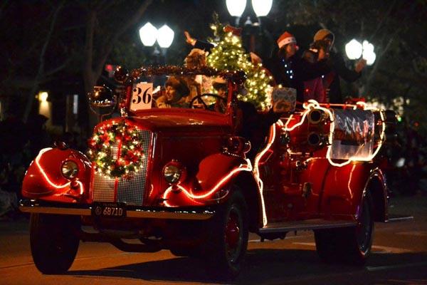 vintage car parade trisha - Christmas Car Parade Decorations