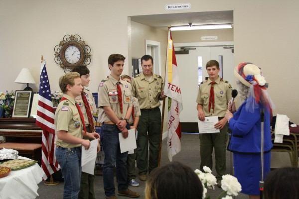 Troop 434 receiving certificates from Donna Cohen
