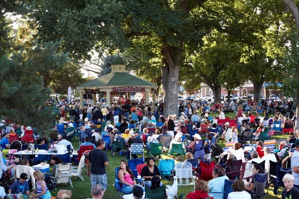 concerts in the park in downtown paso robles on fridays
