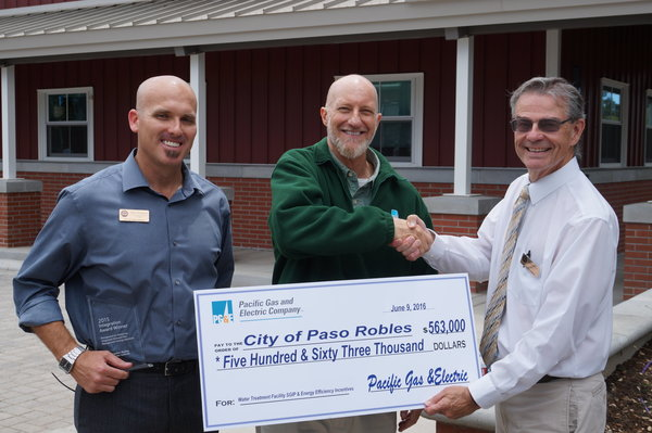 PGE presented the City of Paso Robles representatives Wastewater Manager Matt Thompson and Mayor Steve Martin with a cheque for Wastewater Treatment Plant Upgrade Project energy efficiency.