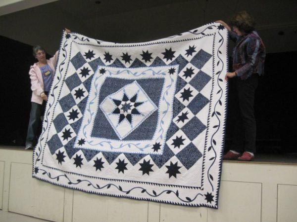 Almond country quilters