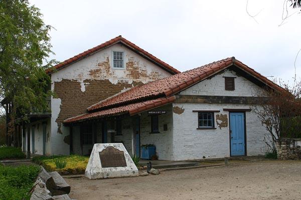 Rios Caledonia adobe