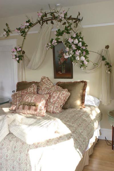 Vintage Bedding, fitting for Edna's Suite Farmhouse (Photo provided by Pattea Torrence).