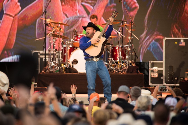Fans Flock To Paso Robles For Garth Brooks Concerts Paso Robles Daily News