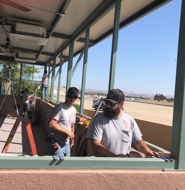 Joe's One-Niner Diner men at work