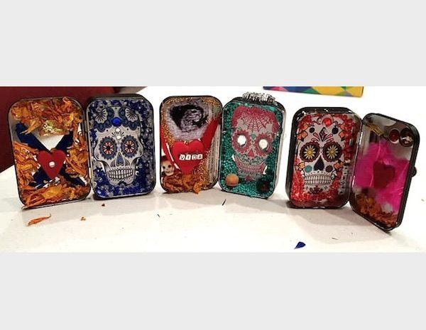Make a mini Día de los Muertos shrine at the library