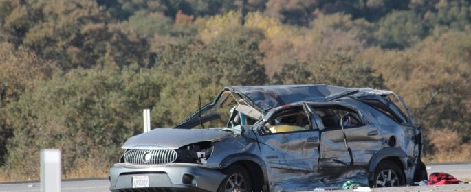 One confirmed dead in Highway 46 rollover collision