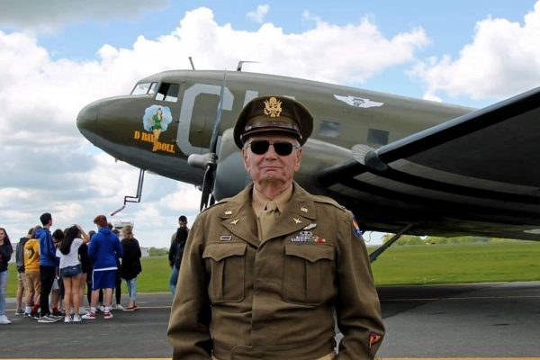 Dave Hamilton Dday Vet with D-Day Doll C-53