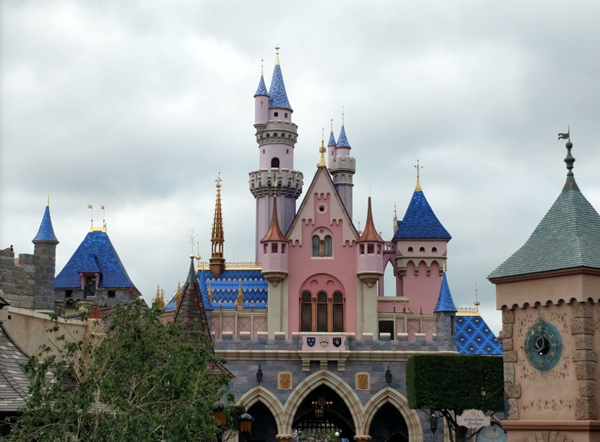 Disneyland postpones July 17 park reopening
