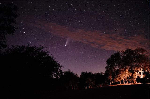 Comet-Neowise-over-Lake-San-Antonio