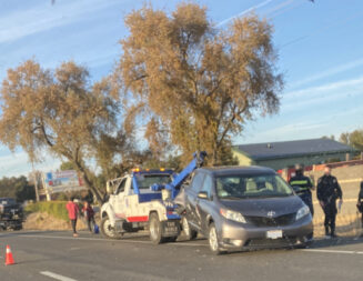 Multiple-vehicle accident reported Sunday on Highway 101