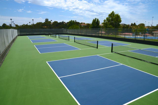 Youth tennis and pickleball in Templeton