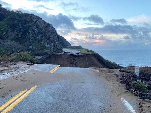 Update: Section of Highway 1 washes out at Rat Creek on Big Sur Coast