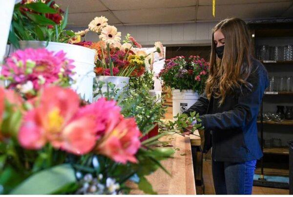 buy local flowers