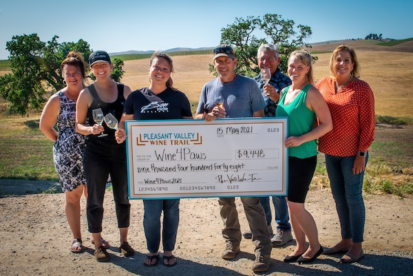Pleasant Valley Wine Trail donates to Woods Humane Society