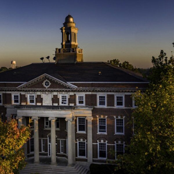 Local woman makes the Monmouth College Dean's List